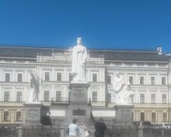 Piemineklis Kijevas kņazienei Olgai