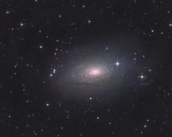Saulespuķers galaktika M63