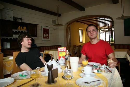 Jau Austrijā, beidzot pie ēdiena! (- citas/vairākas valstis -)