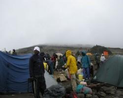Viena no nometnēm uz Kilimandžaro