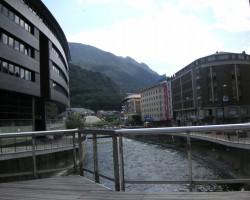 Valiras kalnu upe ...Andorra la Vella