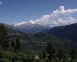 Kaukāza kalni pie Mestia