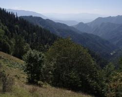 Citi kalni Borjomi apkārtnē