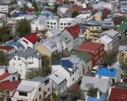 Krāsainās Reikjavikas mājiņas.