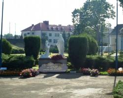 Polijā, skulptūru dārzā