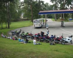 Bendzīns beidzies ...... naudas naf pat autobusa biļetei !