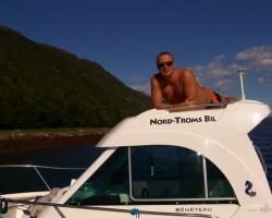 Saule, jūra un balta laiva . :D