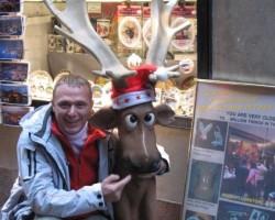 Arī Zviedrijā uz ielām ,,ragaiņu,, netrūkst,ar izteiksmīgiem skatieniem !!!