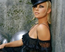 Charlize Theron - SIMPLY THE BEST ! ;) - 2. foto