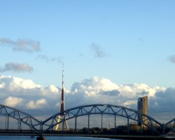 Atkal pārgāju pa Akmens tiltu 1
