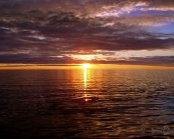 Pusnakts saule - 1. foto