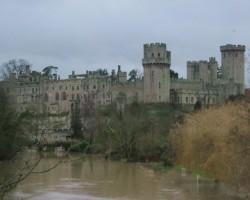 Warwick pils ļoti iespaidīga, iesaku apmeklēt