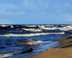 Kādam jūrā ielija tinte (fotogrāfija bez apstrādes... :-))